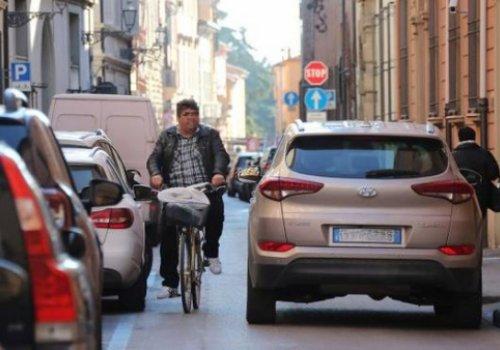 """CNA Fita: """"Codice della strada, troppe norme disattese da anni. Prima delle modifiche, cominciamo ad attuarle"""". Subito l'archivio delle strade. No alle bici contromano"""