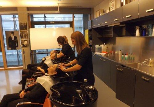 Cure palliative per i bimbi, riuscita la raccolta fondi dei parrucchieri CNA-SHV