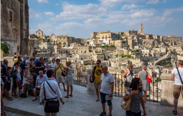 Turismo, indagine CNA: a Matera è già boom