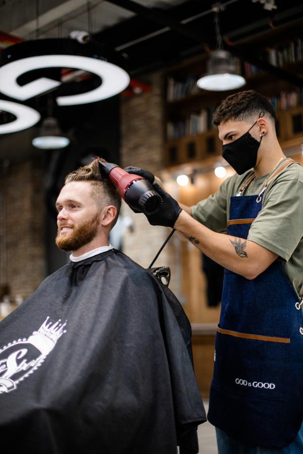 Nuova ordinanza provinciale. Da lunedì 30 novembre riaprono parrucchieri, centri estetici e negozi. Decade l'ordinanza 69 con i codici Ateco e i divieti