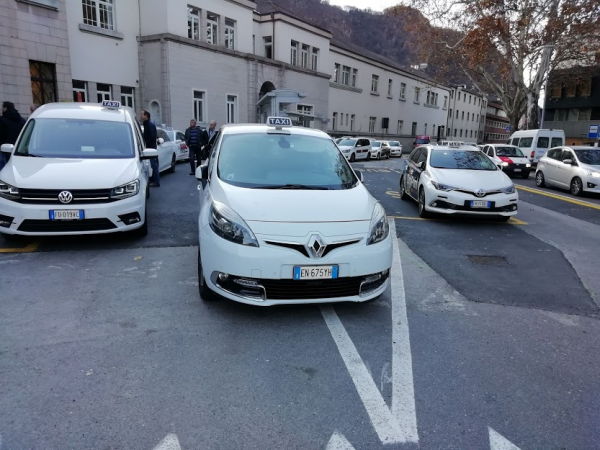 Ricavi ridotti all'osso, Taxi a rischio sopravvivenza. Cooperativa Servizio Taxi Bolzano e CNA Fita aderiscono alla mobilitazione. Le proposte per salvare la categoria