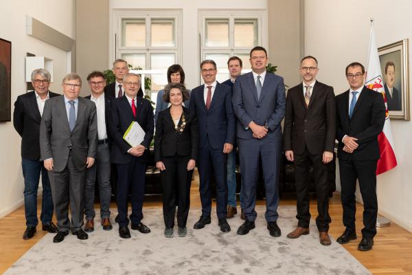 Mit neuen Gremien, frischer Führungsriege und fokussierter Ausrichtung startet Südtirols Wirtschaftsdienstleister IDM durch