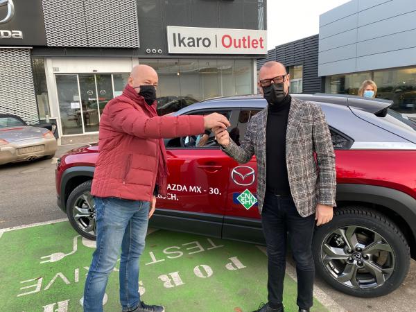 Working green, driving green: parte il Progetto CNA-Mazda. Dieci Test Drive per verificare la mobilità elettrica. Da oggi imprenditori, manager e professionisti si alterneranno alla guida della MX-30