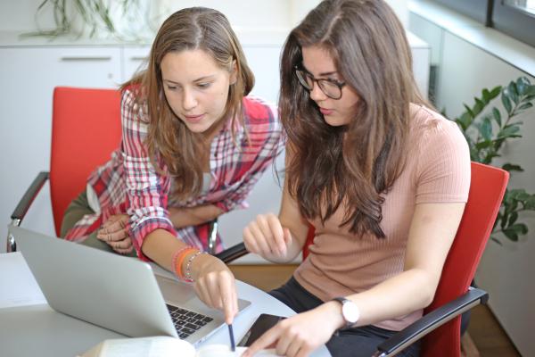 Beiträge für Unternehmen, die Schülerpraktika anbieten